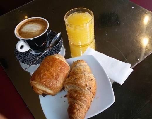 Frühstück im Bond